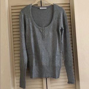 Basic grey long sleeve knitted sweater size M